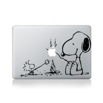 Macbook Air 11 13, Macbook 13 inch decal sticker (autocollant) Snoopy Camp Fire Apple Laptop